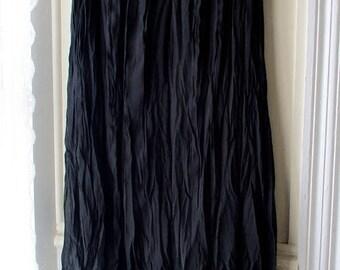 ON SALE Women's vintage black asymmetrical crinkle skirt / black crinkle pleated midi skirt / size small, size 8 petite