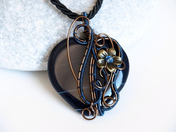 Heart Wire wrapped pendant gift for women gemstone necklace love gift for her girlfriend Dark blue Agate Flower Dainty Nature jewelry
