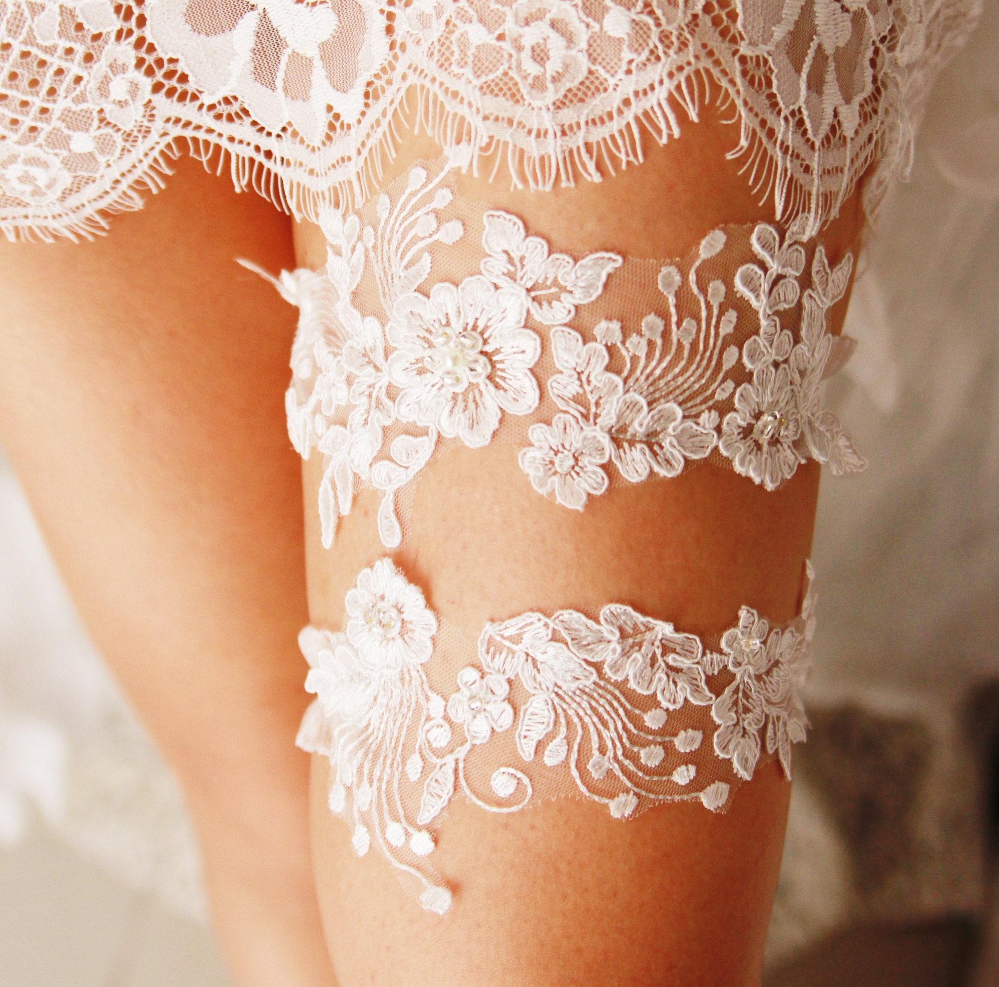Personalized Wedding Garter Sets: Wedding Garter Set Ivory Lace Garter Bridal Garter Set