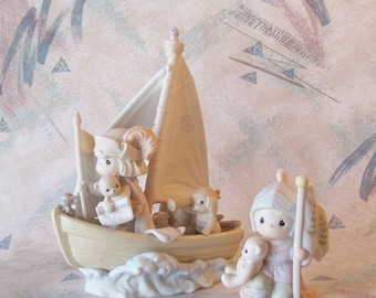 """Precious Moment """"This Land Is Our Land"""" Set of two figurines"""
