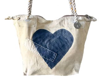 Ali Lamu Small Weekend Bag Natural Heart Navy
