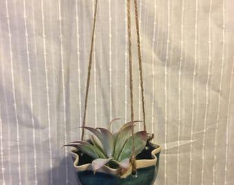 Hanging Planter // Succulent Holder / Air Plant Holder