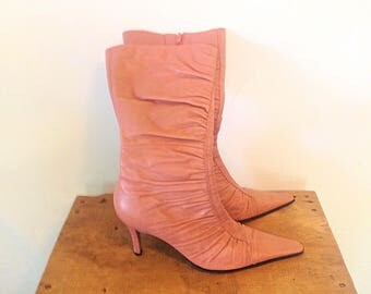 1980s high heeled boots high heel boot VTG vintage 1980s size 10 boots size 10 vintage shoes pink boots mauve boots vintage 80s shoes