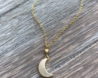Scout - Dainty Crescent Moon Necklace - Gold