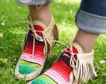 Beige Leather Serape Moccasins, Womens Moccasins, Beige Serape Boots, Beige Leather Boots, Mens Moccasins, Beige Womens Boots, Hippie Boots