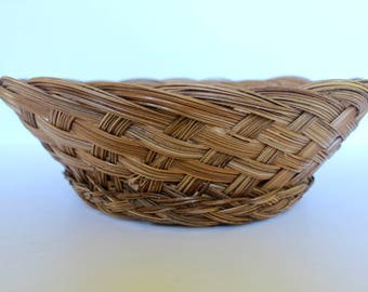 Vintage Boho Wicker Basket / Vintage Rustic Basket / Catch All basket / Woven Basket / Wall Basket / Rustic Basket