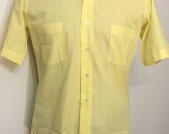 Vintage MENS 60s-70s Sears Perma Prest yellow short sleeve shirt, size M, dead stock