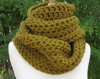 SALE 30% OFF Olive Green Wool Infinity Scarf - Big Moss Green Cowl - Super Warm Chunky Green Scarf - Long, Thick & Warm - Soft Olive Scarf
