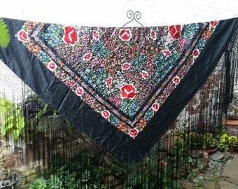 Shawl Silk Hand Embroidered Vintage Manton de Manila Flamenco Spanish Fringed Large