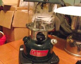 COLEMAN LANTERN 1990 286A with SPORTSMAN Globe,Vintage Camping Lantern,Naptha Gas Lantern,Outdoor Gear,Non Electric Lantern, Gas Lantern