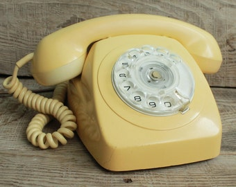 Vintage rotary phone Brisbane / retro phone  / circle dial rotary telephone / vintage landline phone / Old Dial Desk Phone