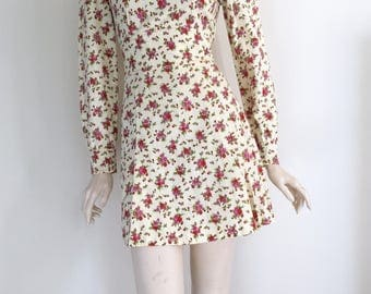 Cute 60s 70d Floral Cotton Mini Dress / Small Medium / Mod / Disco