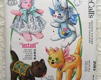 """Vintage 50s Cat Dog Rabbit Pattern. """"Instant Sock Toys"""". McCall's 2085 Sewing Pattern."""