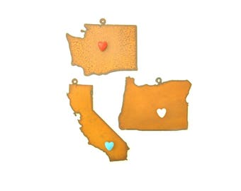 Pacific States With Heart Magnet Rusty Metal Ornament Assortment