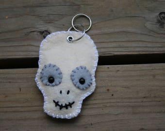 Felt Keychain: Spooky Halloween Skeleton Skull Felt Friend