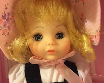 Beautiful vintage Little Bo Peep Madame Alexander doll