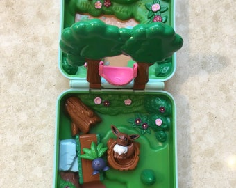 Pokemon Forest and Figurines 1997