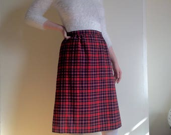 1960s Pendleton Skirt, Plaid Wool Pendleton, Straight Skirt, Red Plaid, women's Size Medium, Retro Vintage