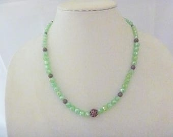 Frosty green necklace