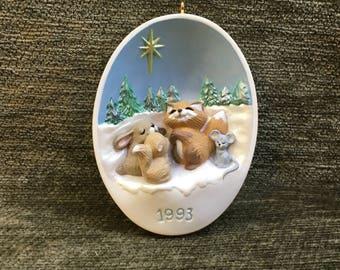 Hallmark Cards Star of Wonder Ornament, 1993 Ornament,  Woodland Animals, Animals in Snow,  QX5982, Thailand, Christmas Ornament