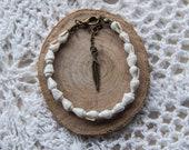 White Sea Shell Bracelet, Shell Bracelet, Bronze Chain, Boho Jewellery, Chain Bracelet, Feather Charm Bracelet