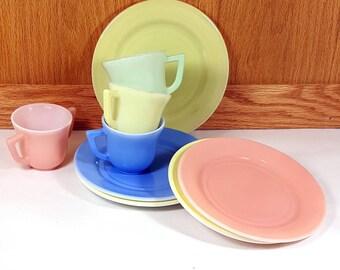 HAZEL ATLAS  DISHES Little Hostess Dish Set 1950s Mid Century Collectible Moderntone  Childrens Play Dishes Atlas Little Hostess Tea Set