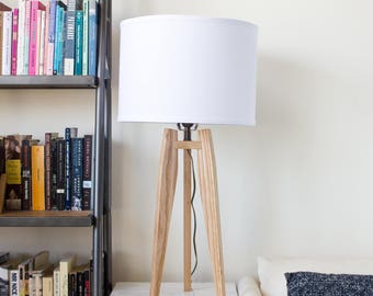 Mid-Century Modern Tripod Table Lamp in Solid Ash
