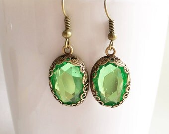 Green Crystal Earrings, Green Earrings, Crystal Earrings, Green Jewelry, Crystal Jewelry, Green Drop Earrings, Peridot Earrings