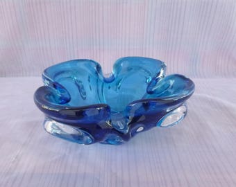 Superb Bowl / dish glass hand-blown - flower 4 petals - intense and bright blue