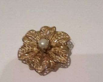 Vintage Filigree Flower Brooch, Faux Pearl Center, Gold Tone Filigree Brooch, Retro Filigree Brooch, Flower Pin, #VintageGoldenFiligreePin