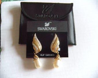 SWAROVSKI Signed  SAL Crystal Faux Pearl Rhinestone Dangle Clip Earrings Wedding jewelry