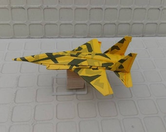 origami paper airplane MODEL0F15PP012