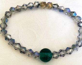Elegant beaded stretch bracelet