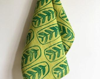 maranta green jungle leaf. block printed linen napkins. set of four / hand printed / placemats. prayer plant. avocado.