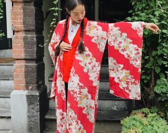 Ukiyo, red flower Kimono, vintage from Japan
