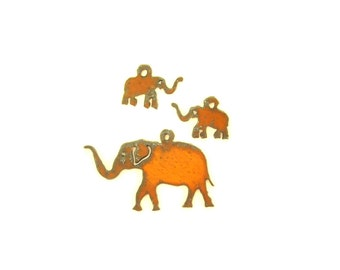 Elephant Rusty Metal Pendant/Charm And Earrings 3-Piece Set