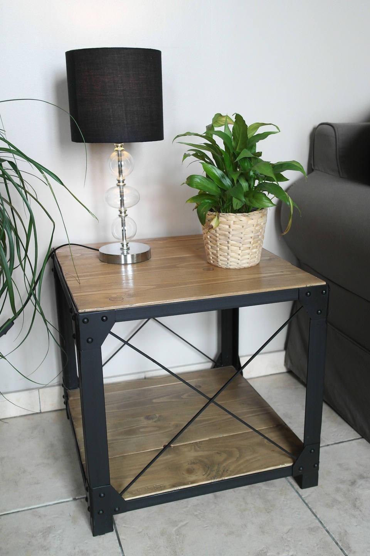 Petite table basse style loft bois et acier for Petit meuble de salon