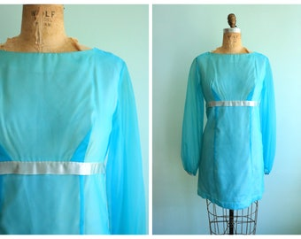 Vintage 1960's Turquoise Mini Dress   Size Small