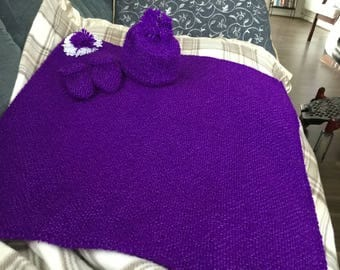 New hand knitted purple woollen baby blanket 20x22 inches hat & bootees