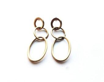 Vintage Gold Ovals Dangle, Pierced Earrings
