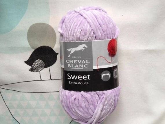 SWEET purple - white horse wool