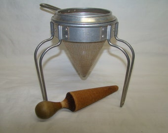VTG Colander Wear-Ever Canning Sieve Strainer Juicer Stand Wood Pestle No.8 L@@K