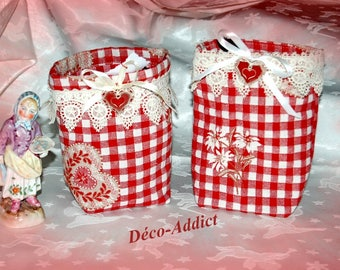 Set of two storage pockets in red and cream plaid fabric