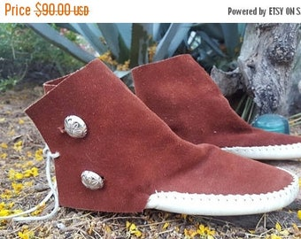 SUMMER SALE Native American Hopi Navajo Kaibab Soft Sole Pueblo Suede Moccasin Booties with Silver Concho Buttons Size 6