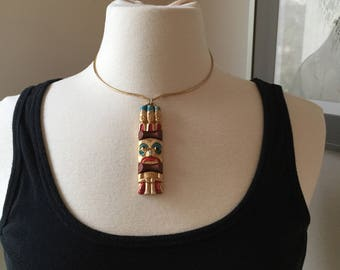 Egyptian Totem pendant with wire necklace.