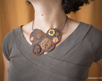 Faux suede/leather bib necklace brown 12