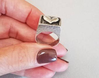 Vintage Sterling Silver Hammered Heart Signet Ring - Handmade Chunky Signet Ring - Statement Ring - Mary B Hetz circa 1990s