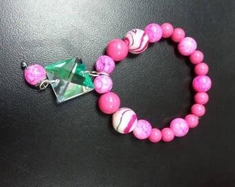 pink dangle braclet