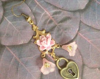Each flower earring pink