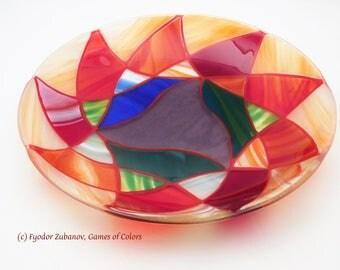 A decorative fused glass plate Oriental Express; art glass; round plate; mandala; oriental beauty
